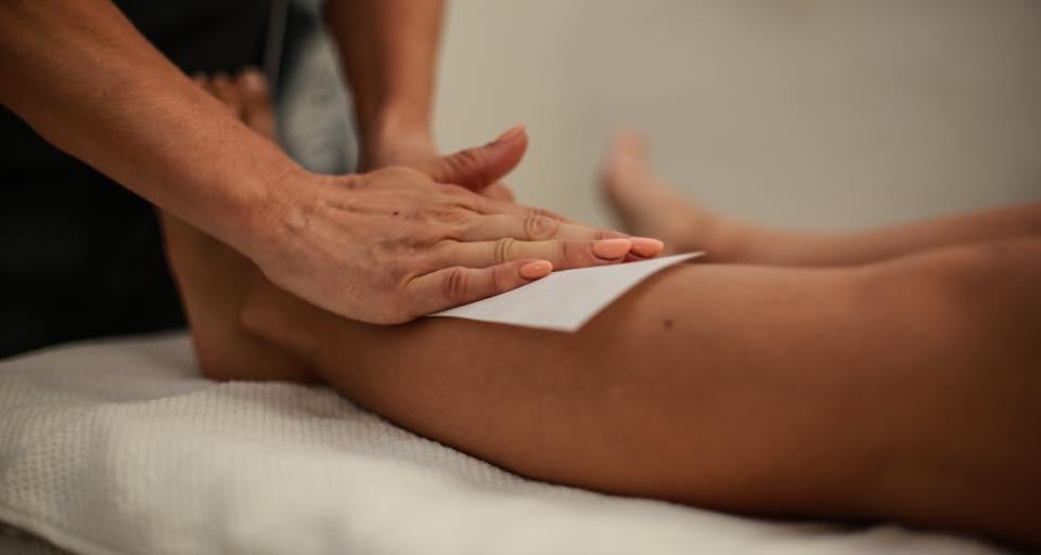 KVINDER - Knæ og ned - Voksbehandling