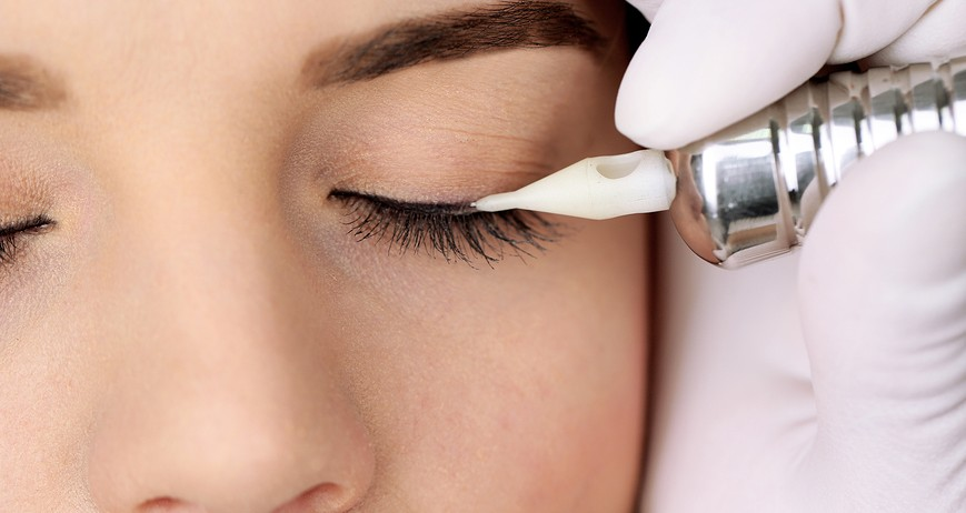 Permanent make-up eyeliner