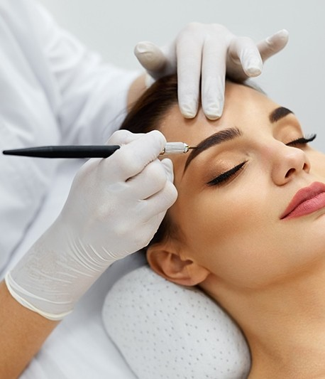 Permanent make-up Hair Strokes ( Microblading )